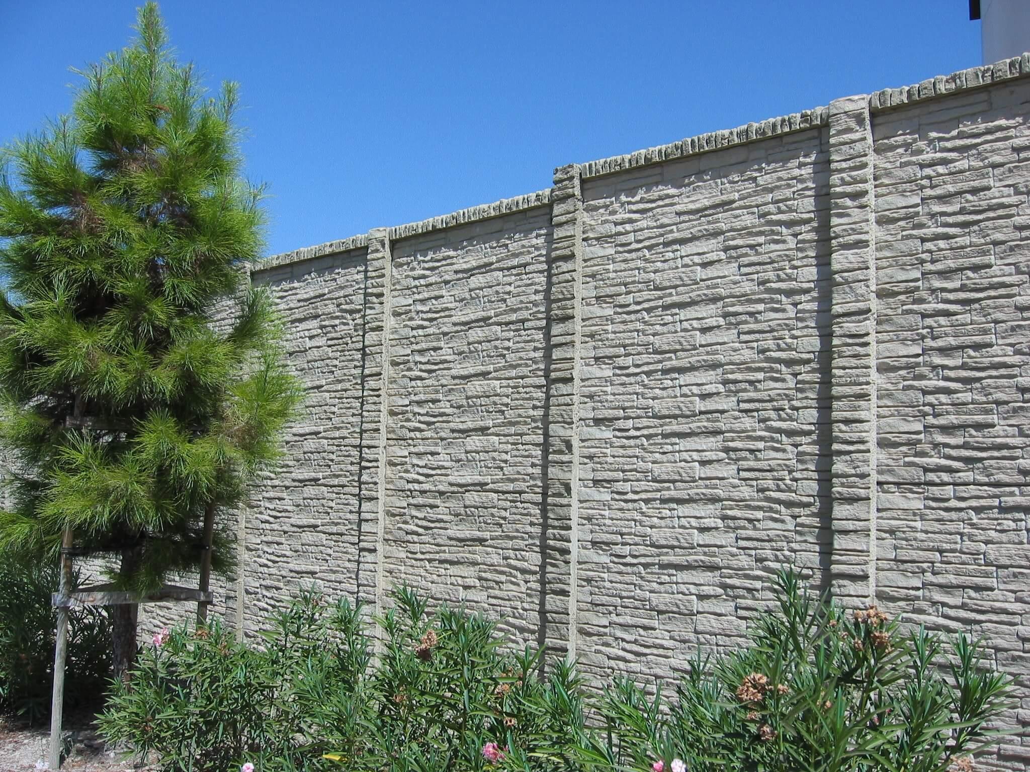 concrete fence stackedstone