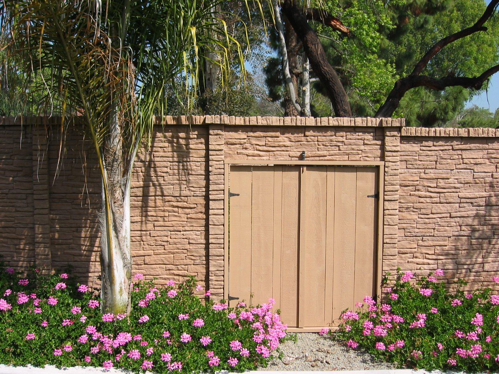 Precast Concrete Fence StackedStone Homeowner