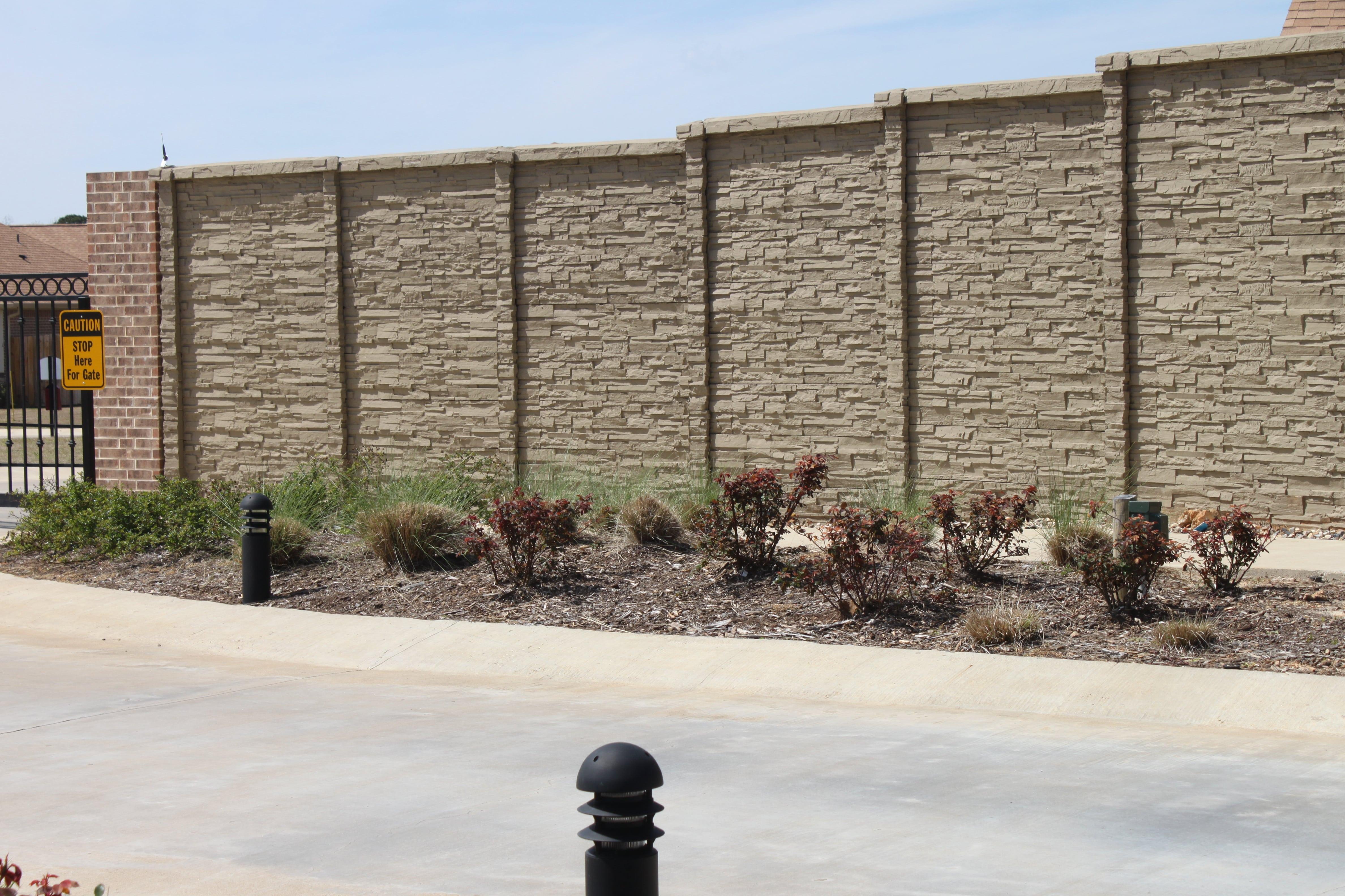 Precast ChiselStone Fence